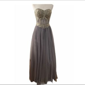 Gray Embellished Tulle Size 9 Gown